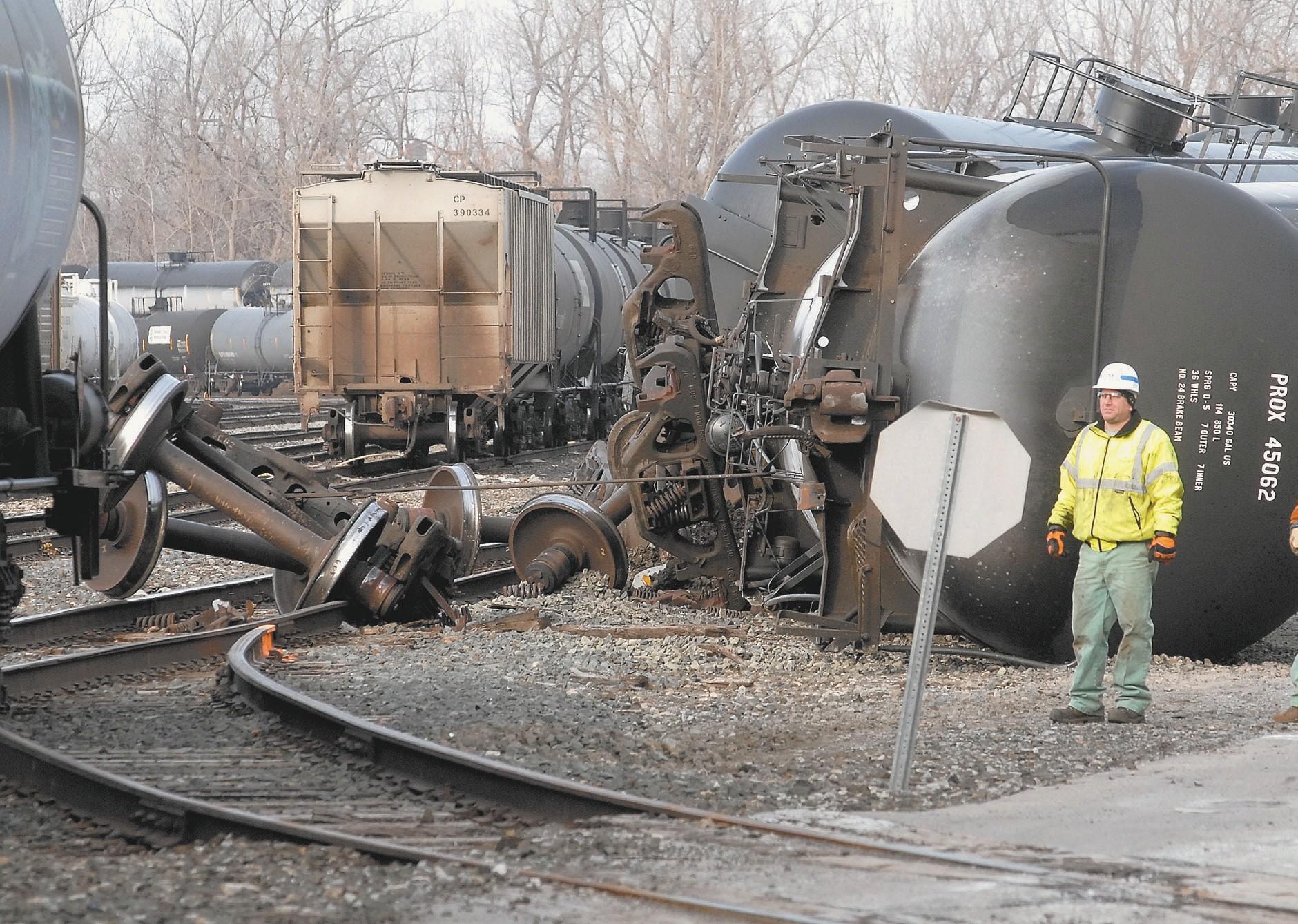 Freight train derails near Harlem Road | Cheektowaga Bee